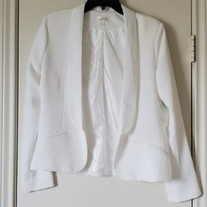 Decree fully lined white blazer